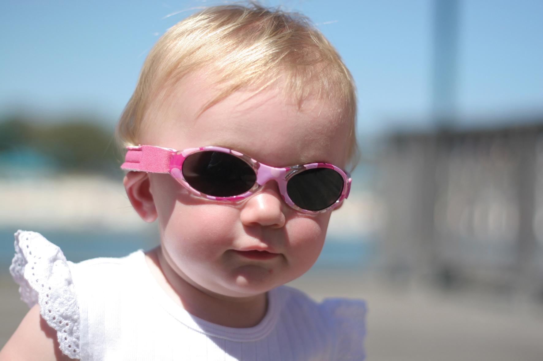 leuke zonnebrillen Baby. Bestel online bij stoerekindjes. De nummer 1 in UV zwemkleding en kinderzonnebrillen voor kinderen en baby's